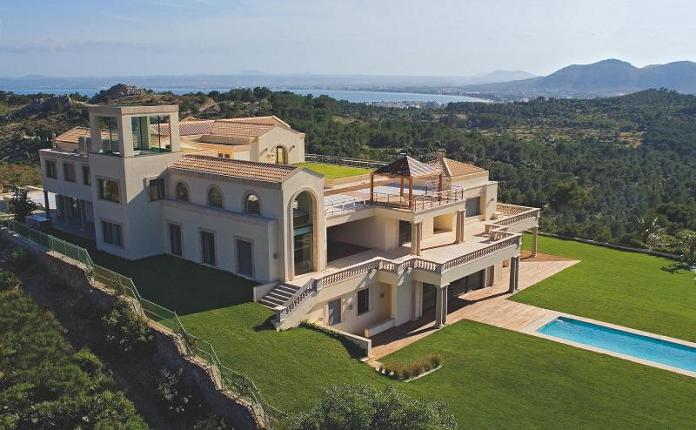 mansion in the mediterranean mallorca spain luxury property What Does A $72.7 Million Luxury Property Look Like?