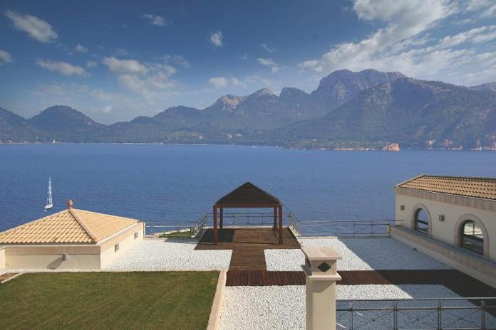 panoramic views majorca spain luxury property What Does A $72.7 Million Luxury Property Look Like?