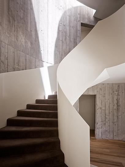 staircase spiral The Yarra House: Interior Design Inspiration