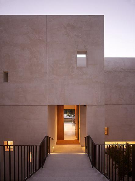 yarra house entrance The Yarra House: Interior Design Inspiration
