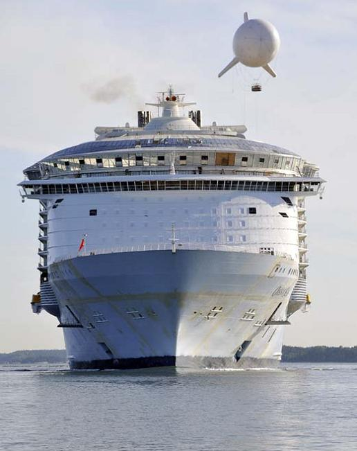 bigget-passenger-ship-ever-oasis-of-the-seas
