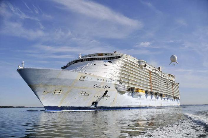 largest-cruise-ship-in-the-world-oasis-of-the-seas