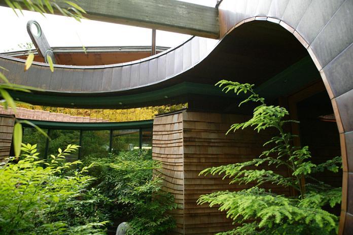 tree house mansion robert harvey oshatz portland oregon Canopy Living: The Ultimate Tree House