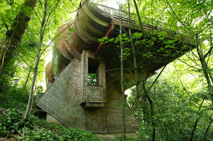 ultimate tree house design robert harvey oshatz The House Inside a Hill   Villa Vals, Switzerland