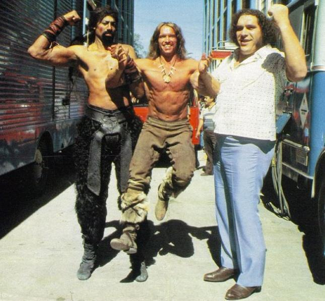 arnold-schwarzenegger-hoisted-by-andre-the-giant-and-wilt-chamberlain