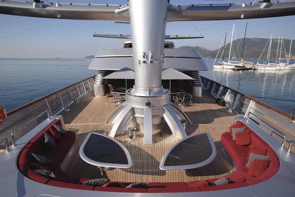beautiful-outer-deck-boat-mega-yacht