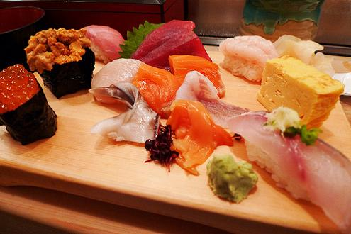 fresh sushi platter from tsukiji fish market The Largest Fish and Seafood Market in the World