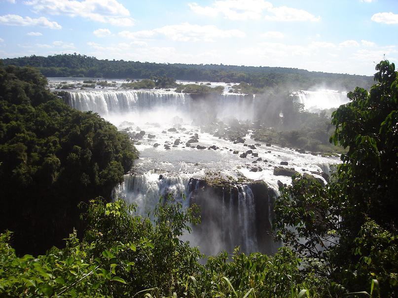 amazing waterfall picture iguazu Iguazu Falls: 15 Amazing Pictures, 10 Incredible Facts
