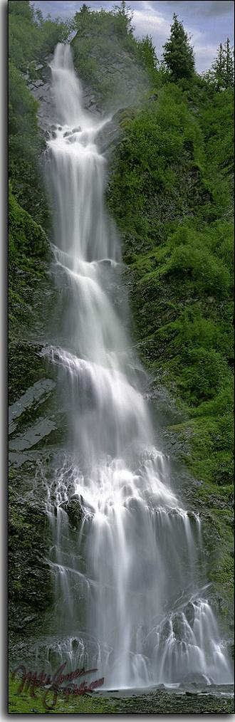 bridal veil falls in valdez alaska vertical panoramic Vertical Panoramic Photography: 15 Breathtaking Examples