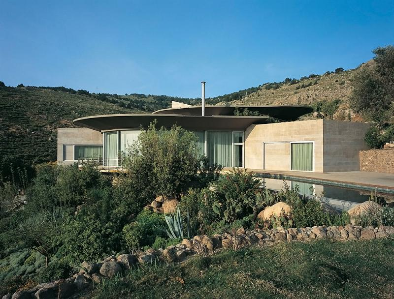 exploded house by global architectural developemnt bodrum turkey How to Build a Mansion When the Law Prohibits It
