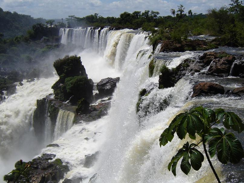 iguazu waterfalls in brazil argentina Iguazu Falls: 15 Amazing Pictures, 10 Incredible Facts