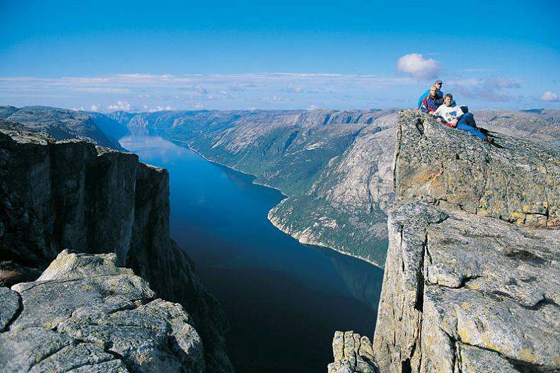 kjerag mountain lysefjorden fjord norway The Stunning Cliffs of Norway