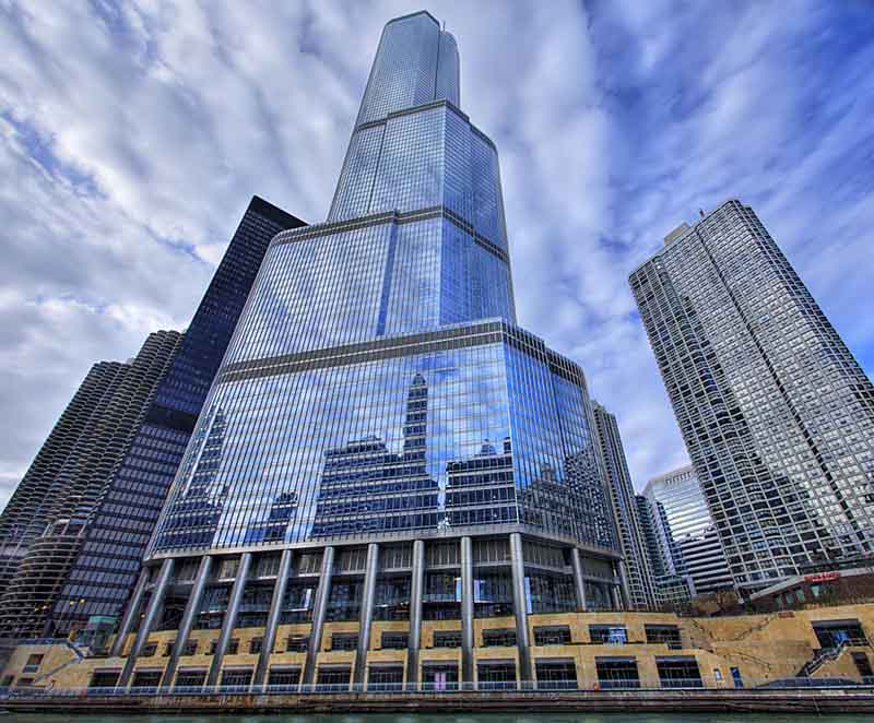 trump international hotel and towe chicago vertical panoramic 25 Stunning Images of Spiral Staircases