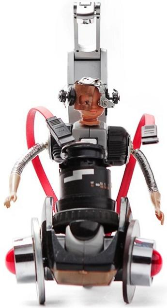 amazing miniature robot by andrea petrachi Incredible Robot Sculptures Made from Old Electronic Parts