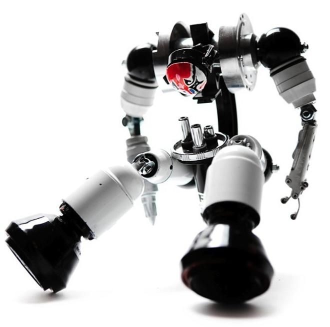 andrea pertachi robotic sculptures Incredible Robot Sculptures Made from Old Electronic Parts