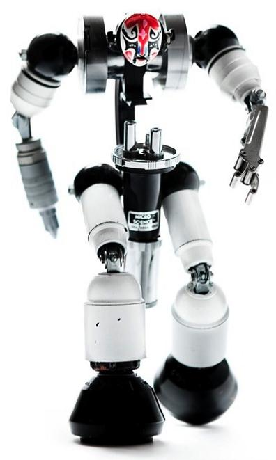 awesome robotic figurings by himatic Incredible Robot Sculptures Made from Old Electronic Parts