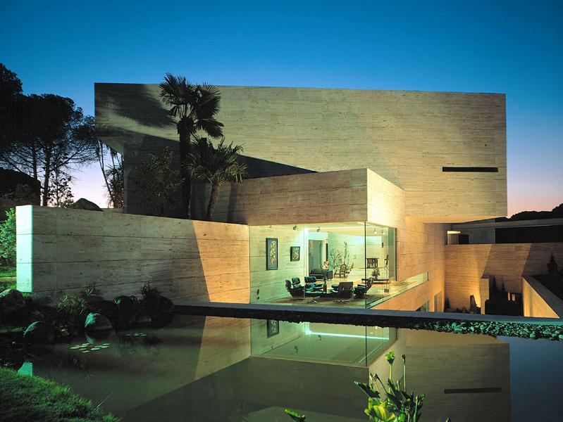 big house in madrid pozuelo de alarcon Mega Mansion in Madrid by A Cero