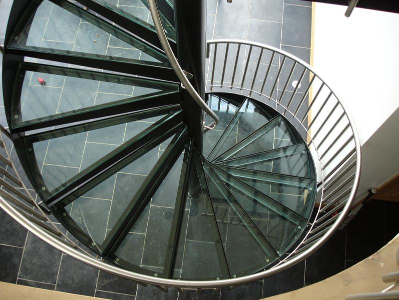 glass spiral staircase 25 Stunning Images of Spiral Staircases