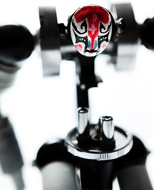 himatic robotic sculptures Incredible Robot Sculptures Made from Old Electronic Parts