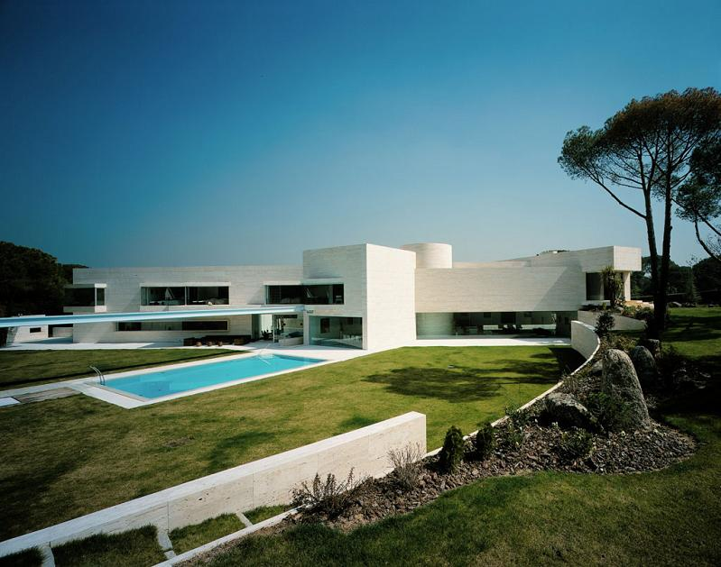house in pozuelo de alarcon a cero architects Mega Mansion in Madrid by A Cero