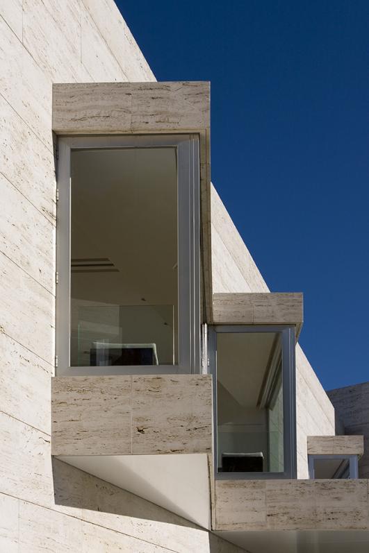house in pozuelo de alarcon a cero Mega Mansion in Madrid by A Cero