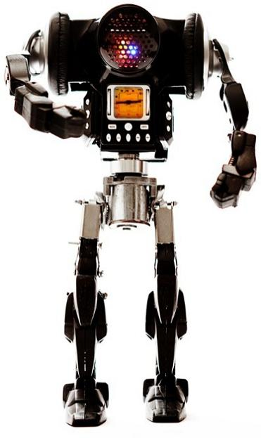 miniature robots by himatic Incredible Robot Sculptures Made from Old Electronic Parts