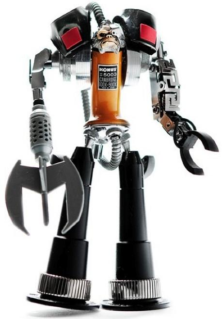 model robot by himatic Incredible Robot Sculptures Made from Old Electronic Parts