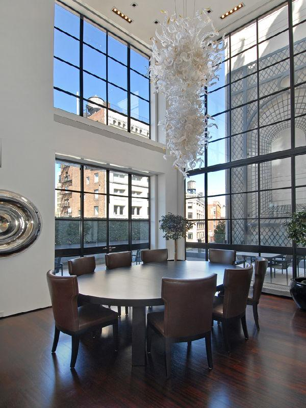 penthouse in tirbeca new york city A Townhouse in the Sky