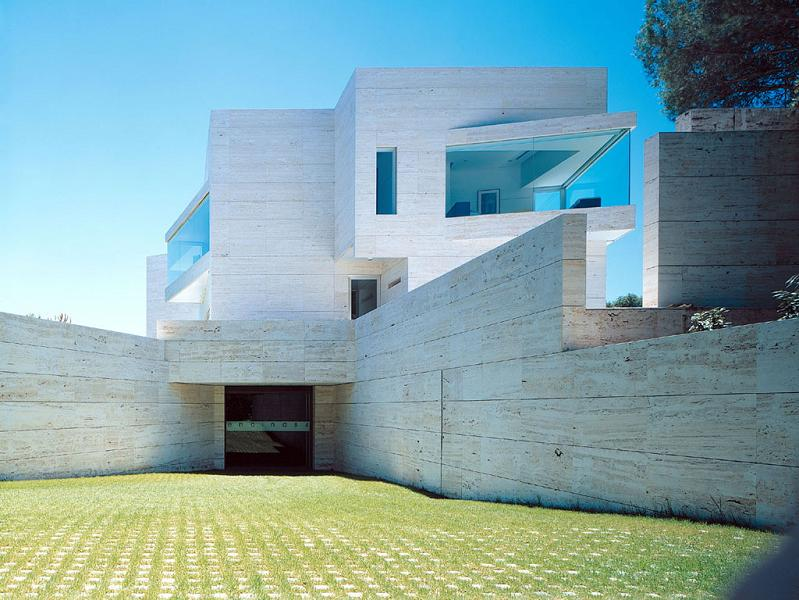 pozuelo de alarcon by a cero Mega Mansion in Madrid by A Cero