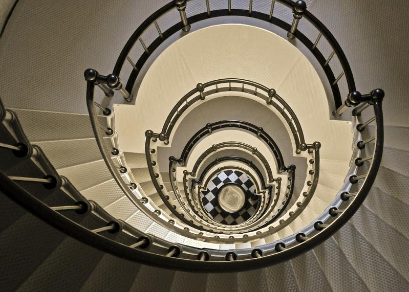 25 Stunning Images Of Spiral Staircases «TwistedSifter