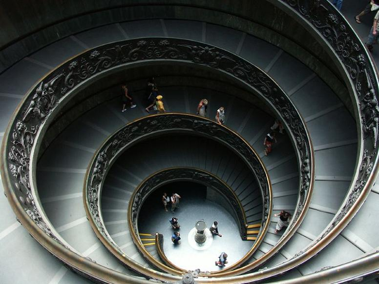 spiral staircase vatican museum rome double helix 25 Stunning Images of Spiral Staircases