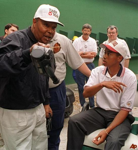 tiger-as-a-teenager-with-his-father-earl-woods
