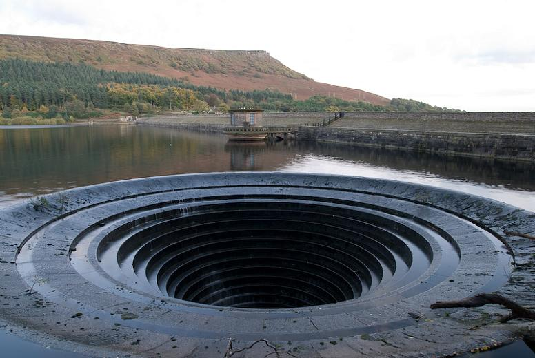 hole-in-the-water-ladybower
