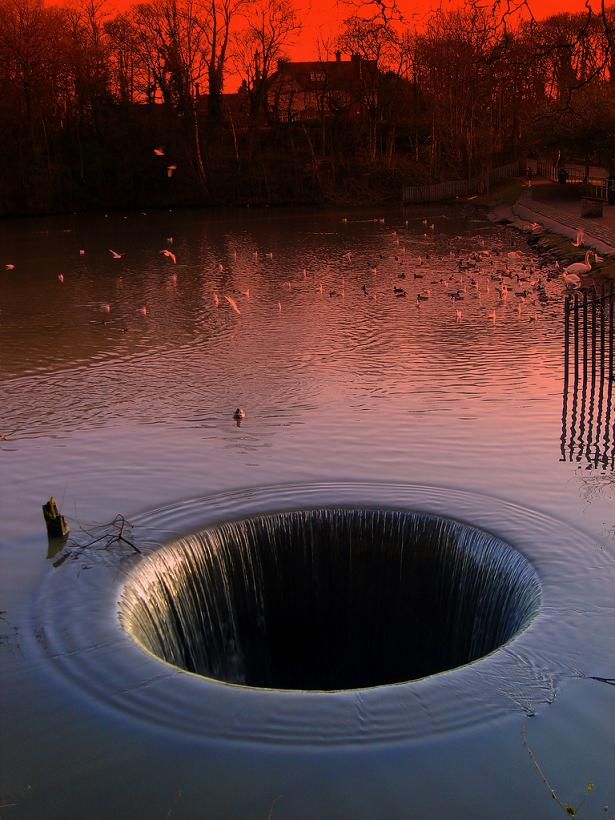 morning-glory-hole-in-the-water