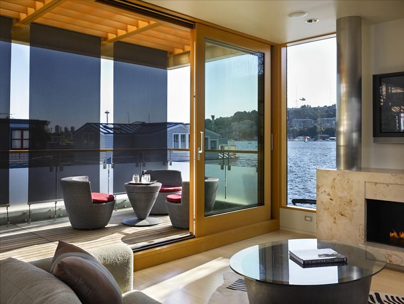nicest-houseboat-floating-home-ever