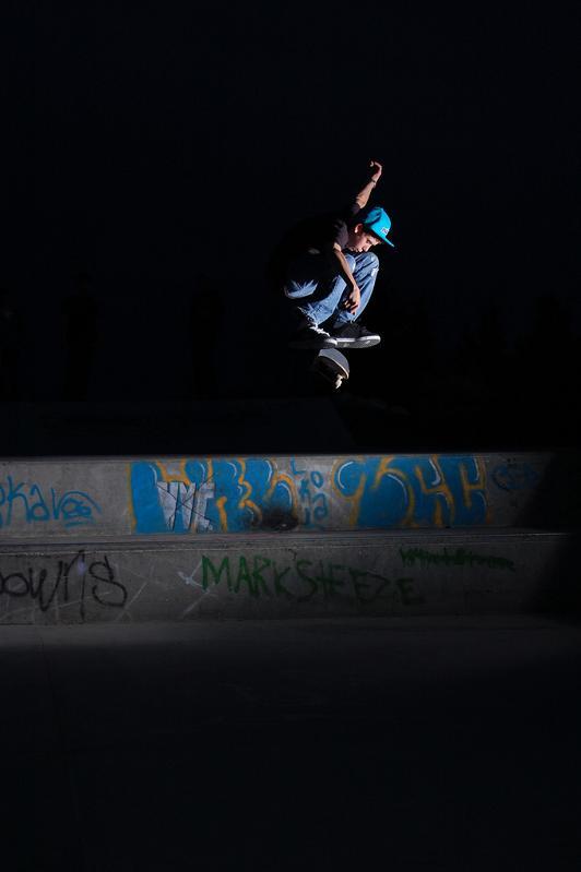 1 kickflip at night The Art and History of the Kickflip [21 pics]