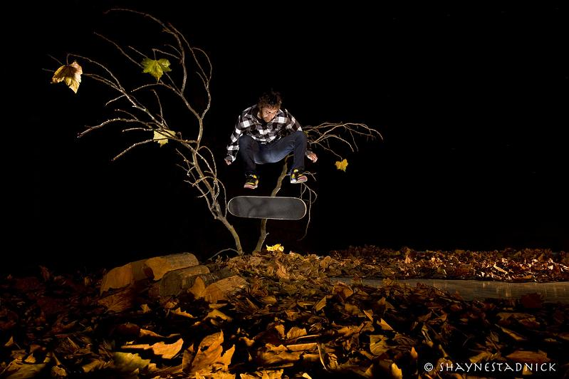 11 kickflip through tree The Art and History of the Kickflip [21 pics]