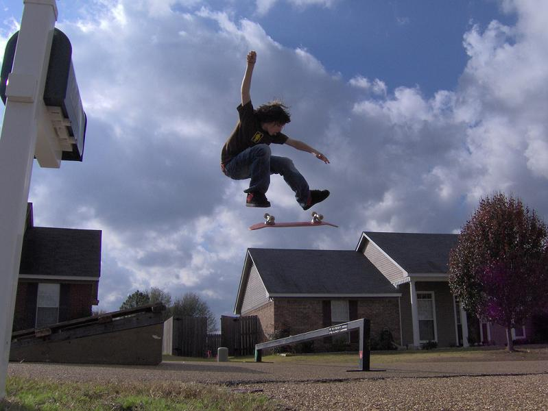 4 awesome kickflip 25 Incredible Parkour Photographs