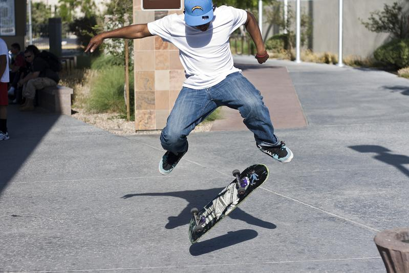 799 x 533 jpeg 77kBSkateboard