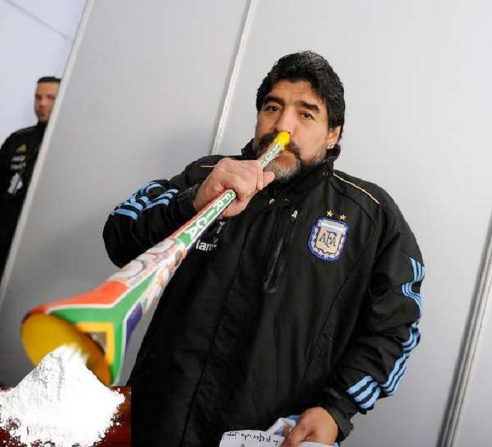maradona-vuvuzelas-coke