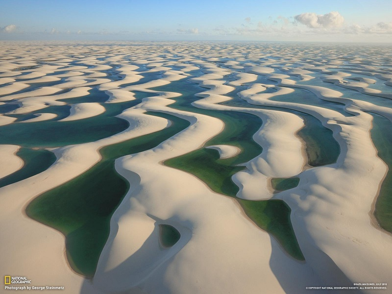 sand-dunes-in-brazil-with-water-lagoons-between