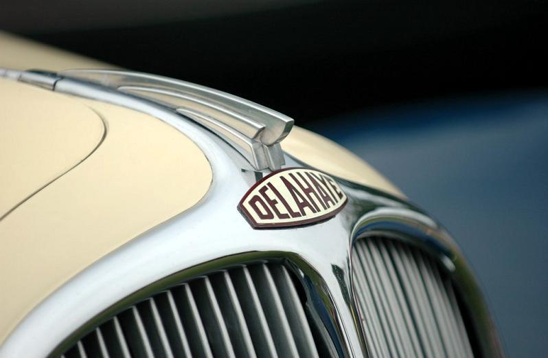 delahaye-emblem-closeup