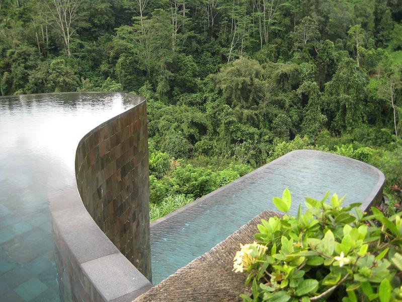 double infinity pool hanging gardens ubud bali 25 Stunning Infinity Pools Around the World