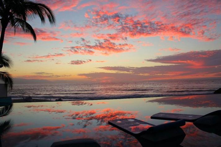 infinity pool dreams resort puerto vallarta mexico 25 Stunning Infinity Pools Around the World