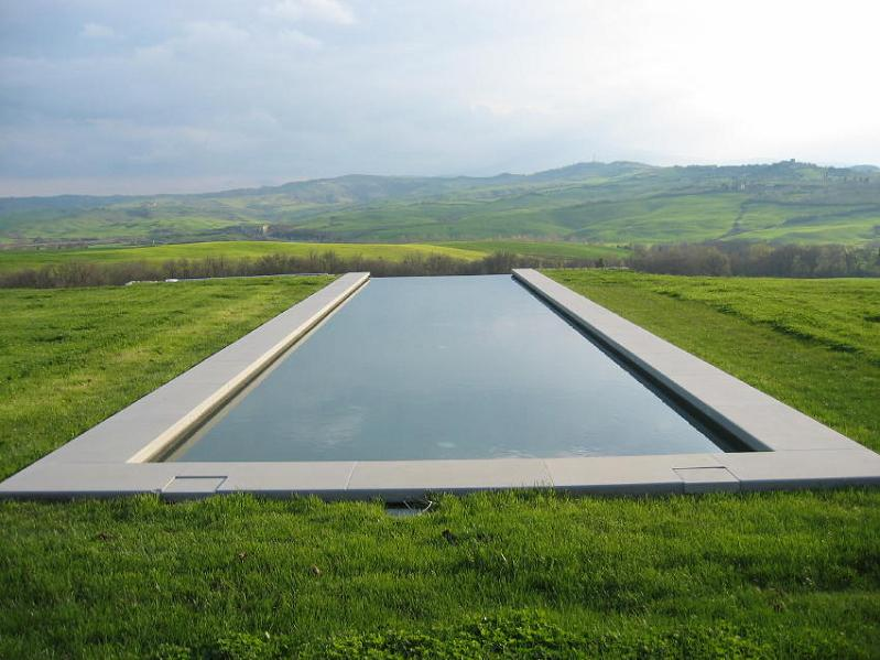 infinity pool in the hills of tuscany italy 25 Stunning Infinity Pools Around the World