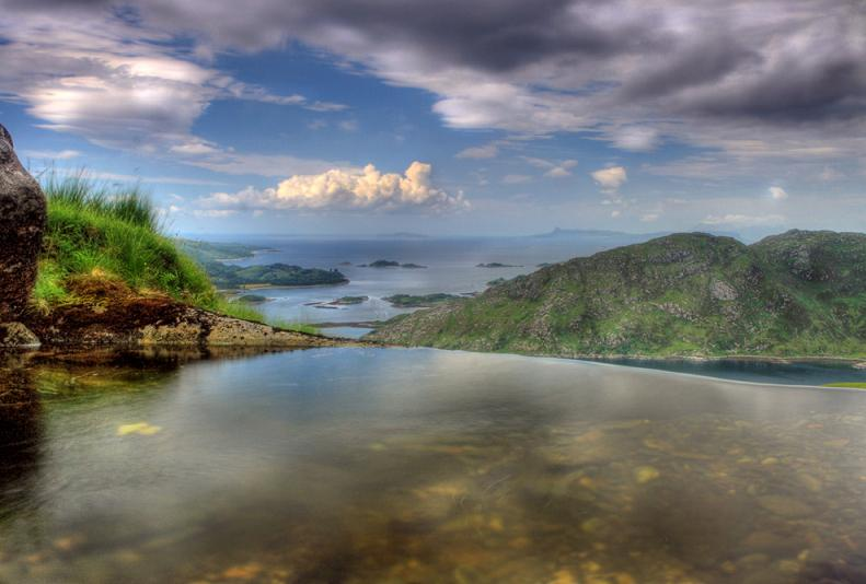 infinity pool surrounded by nature 25 Stunning Infinity Pools Around the World