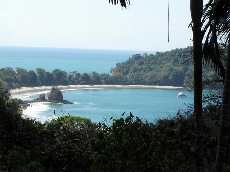 manuel antonio national park quepos costa rica 1965 Boeing 727 Converted into a Costa Rican Hotel