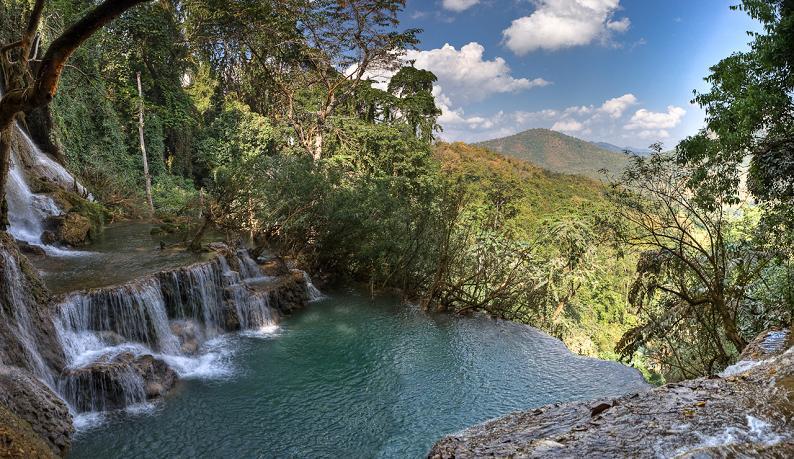 natural infinity pool tat kuang si waterfall luang prabang in laos 25 Stunning Infinity Pools Around the World