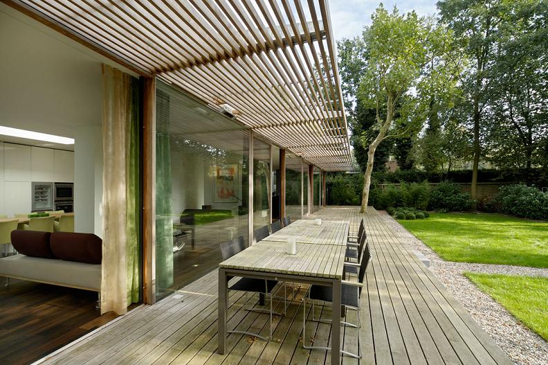 perfect bungalow A Beautiful Bungalow Built Atop A Pond