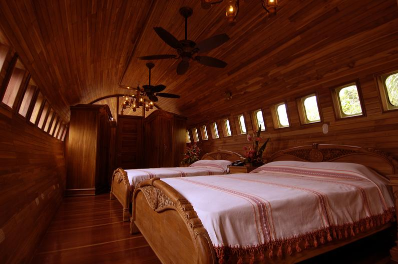 retrofitted vintage boeing 727 fuselage 1965 Boeing 727 Converted into a Costa Rican Hotel
